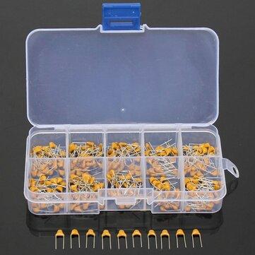 300 штук керамических конденцаторов мощьностью 50V от 10pF до 100nF